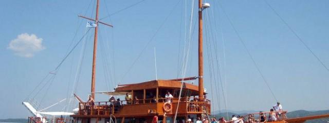 toroneos-cruises